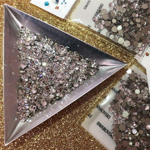Mixed Pack of 500pc Swarovski Flatback Crystals, No-Hotfix, SS3/SS5/SS7/SS9/SS12/SS16. Crystal.